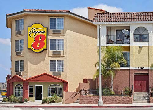 Super8 Motel Feature 500x360