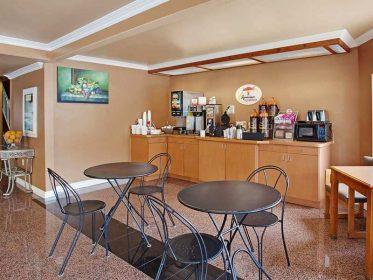 Super8 Motel Image3